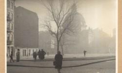 Rynek Nowego Miasta. W głębi Kościół św. Kazimierza. Fot.: Stanisław Baranowski. Źródło: Warszawa1939.pl